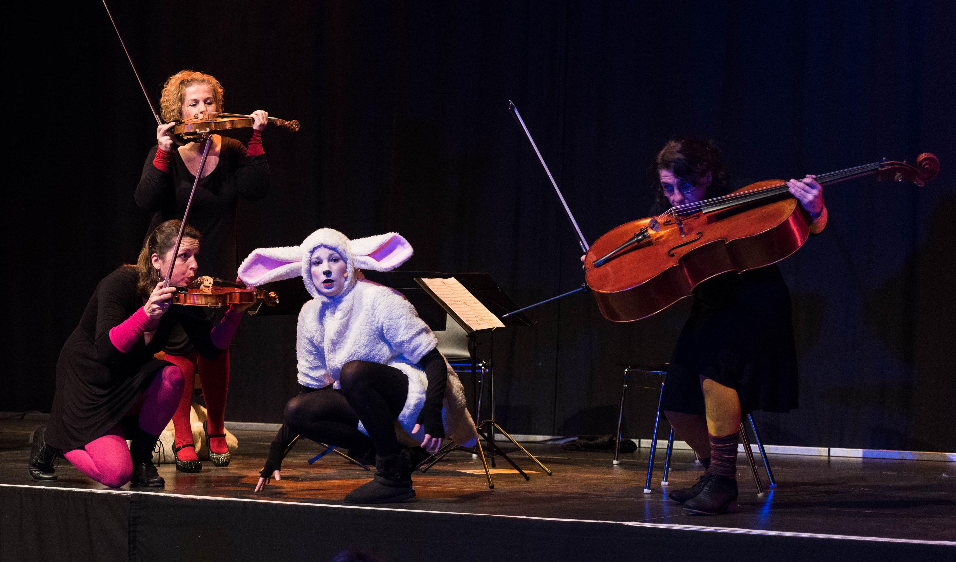 """Julia Kiefer und das Rubin-Quartett in """"Schäfchenwolken"""""""
