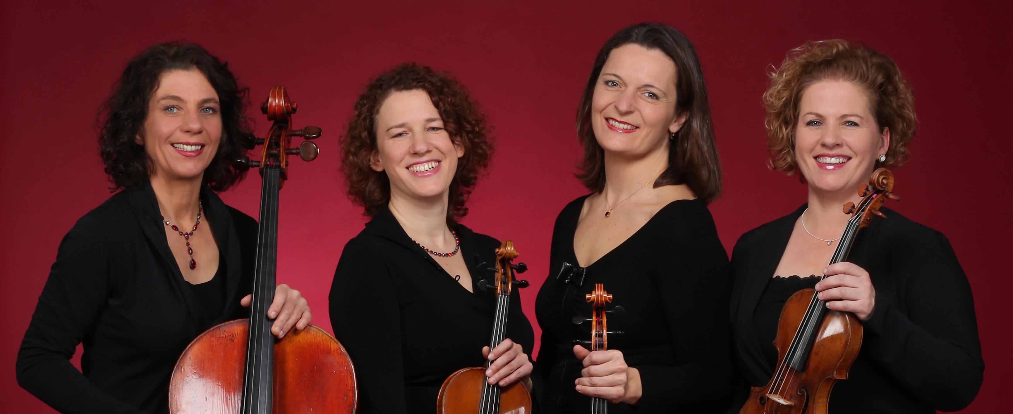 v.l.n.r.: Ulrike Zavelberg (Cello), Jana Andraschke (Viola), Martina Horejsi (Violine), Irmgard Zavelberg (Violine)
