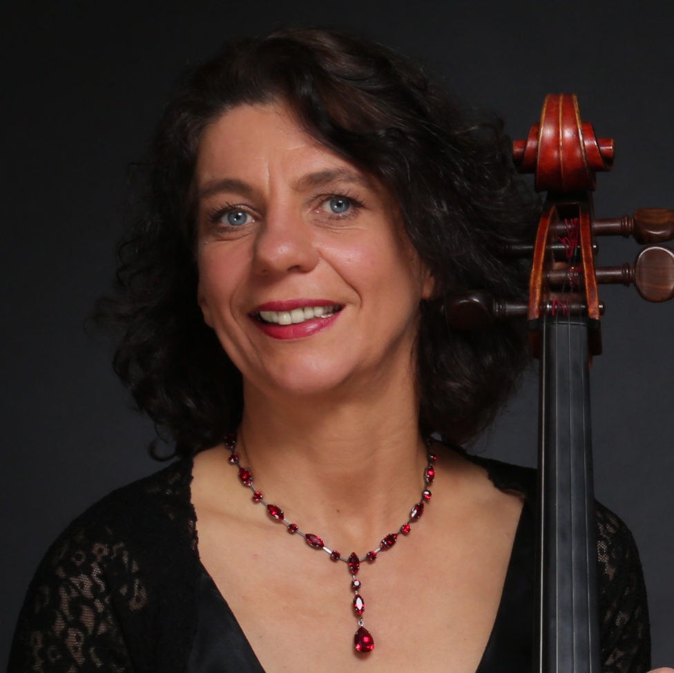 ULRIKE ZAVELBERG | CELLO